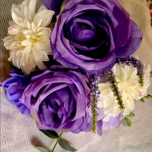 flower bouquet purple and white